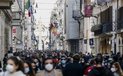 歐洲疫情慘重 染疫死亡人數突破90萬